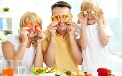 Pij naturalną woda mineralną ID'EAU gdy <b>Zdrowo się odżywiasz<br> i stosujesz diety</b>